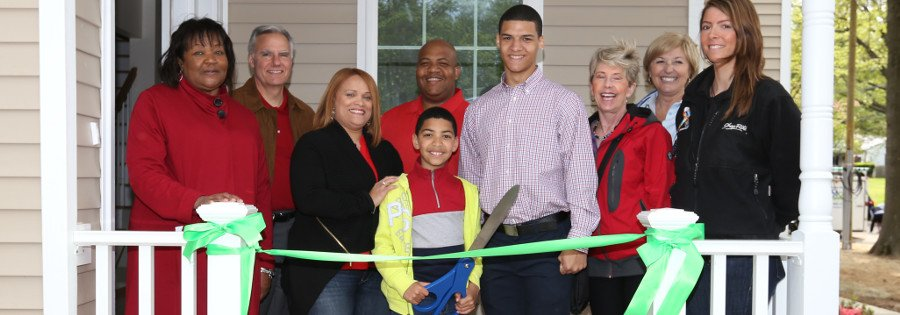 Rondon family ribbon cutting